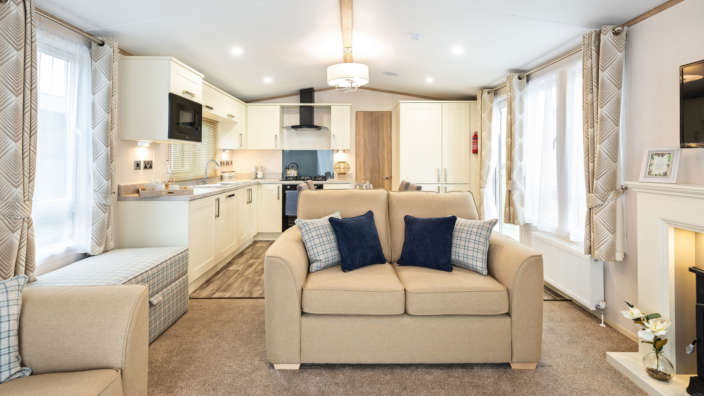 Sunseeker-Supreme-lounge-and-dining-area