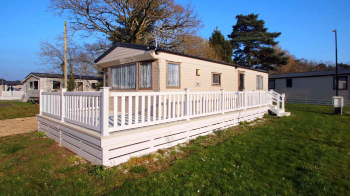 Willerby-rio-forest-edge-exterior