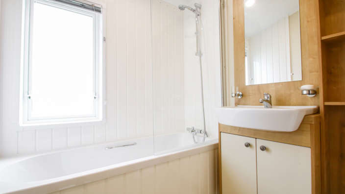 7.Willerby-Portland-Bathroom