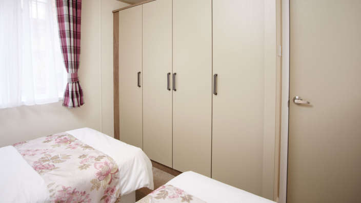 6 Atlas Lilac Lodge Twin Bedroom Storage
