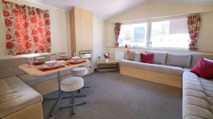 Willerby-aurora-oakdene-forest-park-lounge-and-dining-area