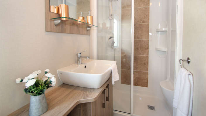 Helmsley-bathroom-with-shower