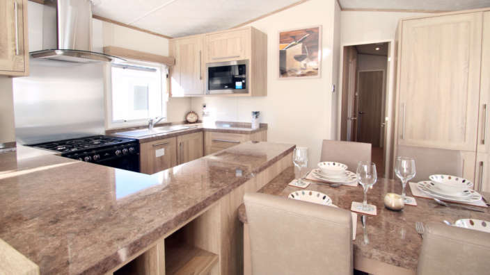 Helmsley-kitchen-and-dining-area