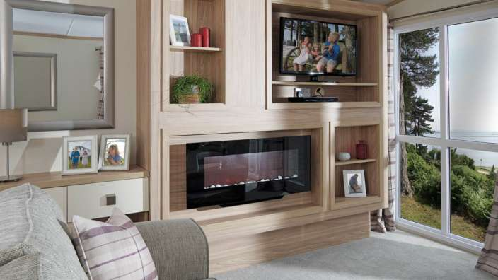 4.Regal-Harlington-Lounge-TV