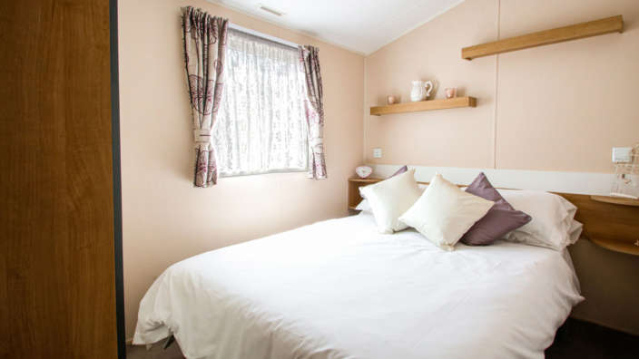 4.Willerby-Vacation-Master-Bedroom