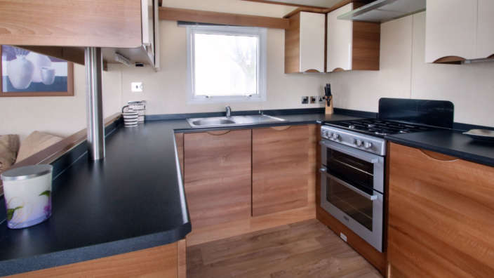 Preowned-St-David-Caravan-kitchen