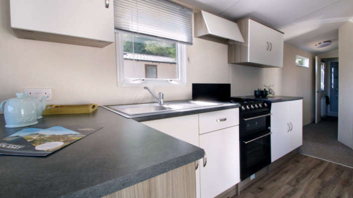 Atlas-Moonstone-preowned-caravan-kitchen