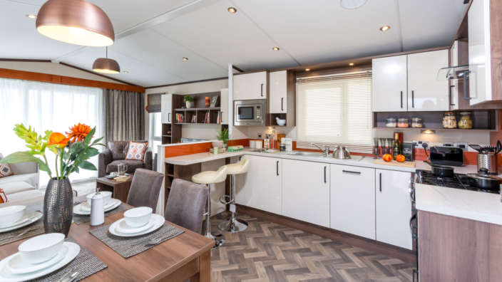 Pemberton-Rivington-dining-area-and-kitchen
