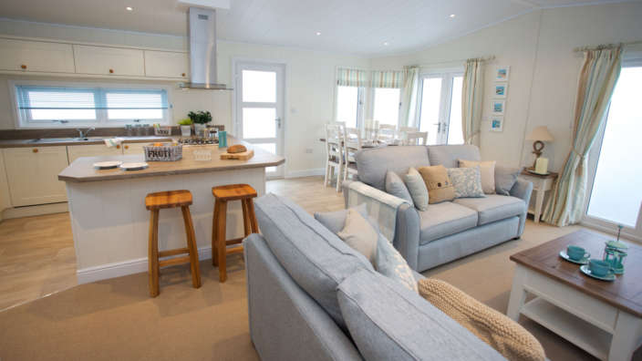 Navigator-Colonial-Lodge-Shorefield-Country-Park-Lounge