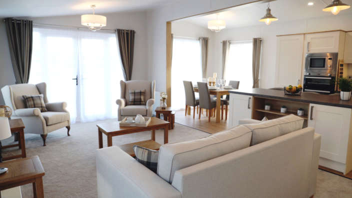 Sunseeker-sensation-lodge-lounge-dining-area-and-kitchen