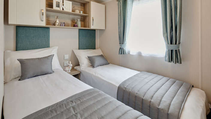 6.Willerby-Skye-Twin-Room
