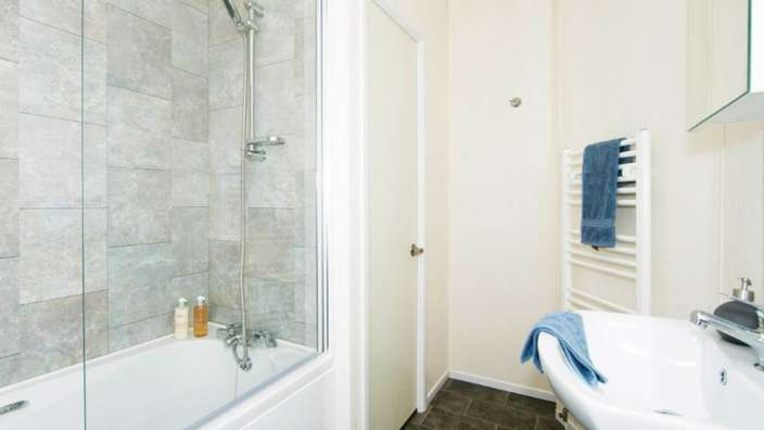 7.Victory-Parkview-Bathroom