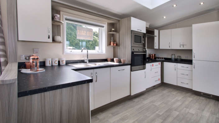 Victory-Parkiew-lodge-kitchen-Swanage