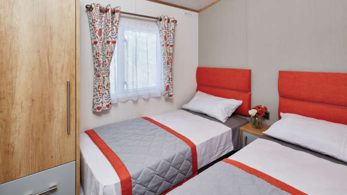 6.Carnaby-Glenmore-Twin-Bedroom