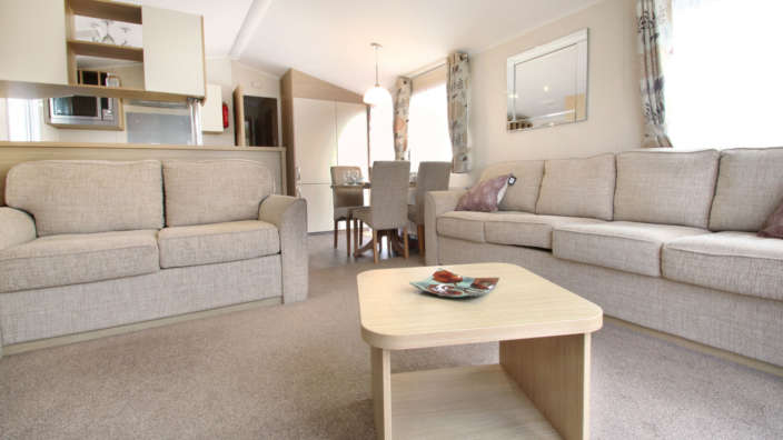 Willerby-Brockenhurst-Preowned-caravan-spacious-lounge-and-dining-wilksworth-caravan-park