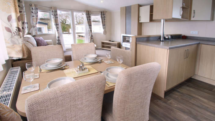 Willerby-Brockenhurst-Preowned-caravandining-and-kitchen-wilksworth-caravan-park