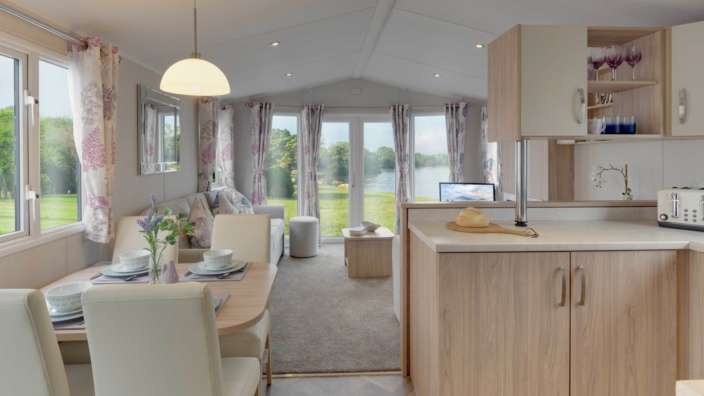 3 Willerby Brockenhurst Dining