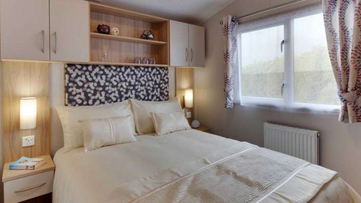 5 Willerby Brockenhurst Master Bedroom