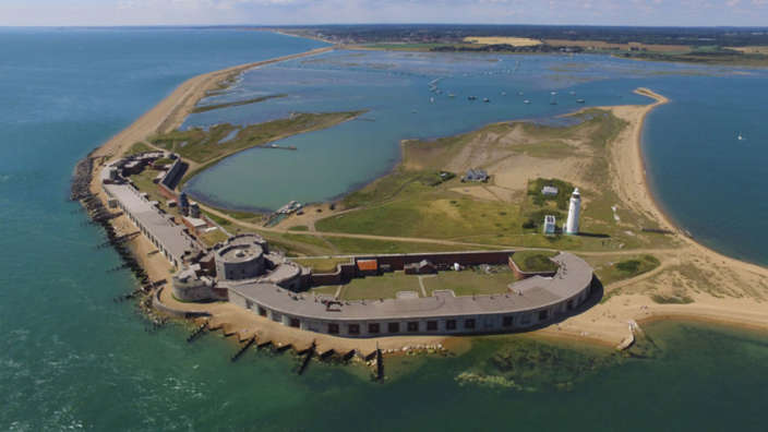 Hurst-Castle-Solent-Sea-Fortress-Spit