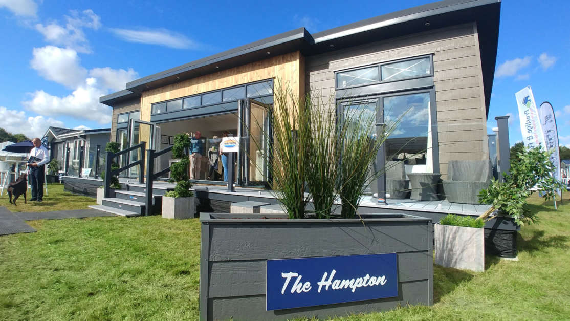 The-Hampton-Lodge-on-display-at-the-Beaulieu-Show-in-previous-years