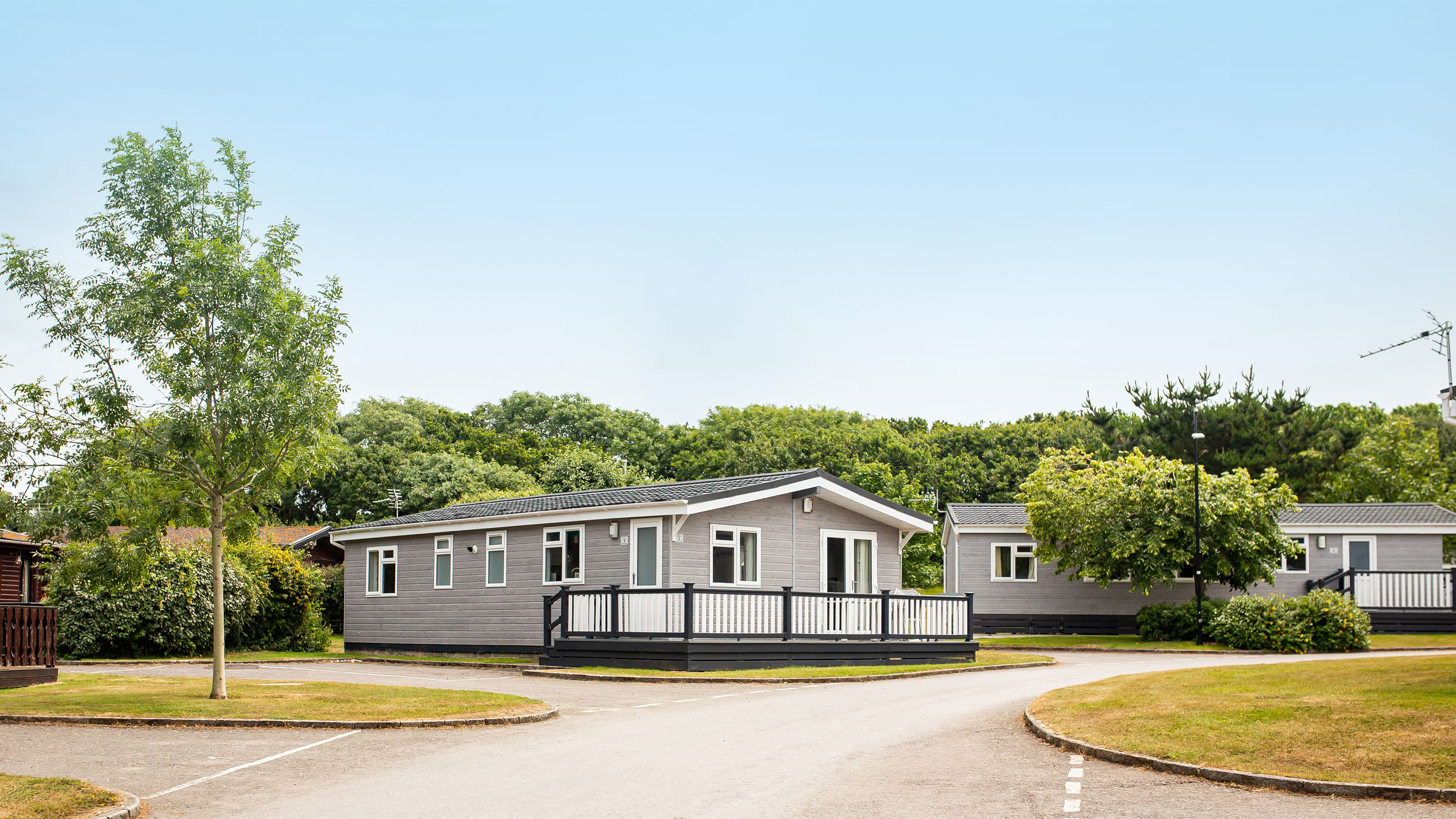 Select plus lodges at Shorefield Country Park in Milford on Sea