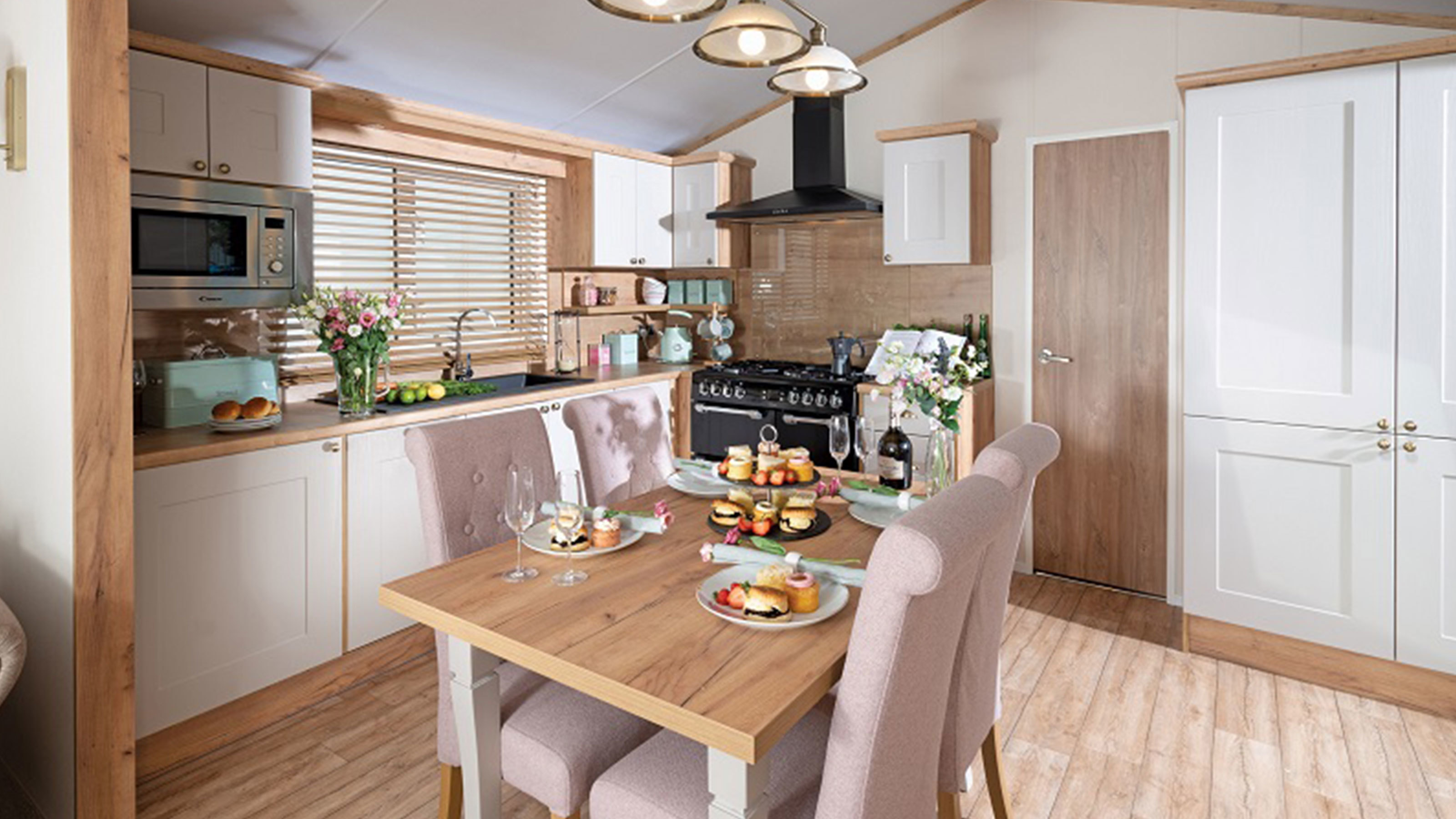 Regal-Hartland-Lodge-kitchen