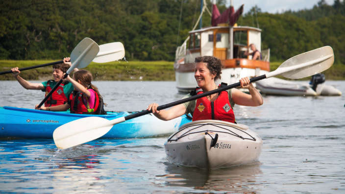 Canoeing-and-Kayaking-on-Beaulieu-River-with-New-Forest-Activities