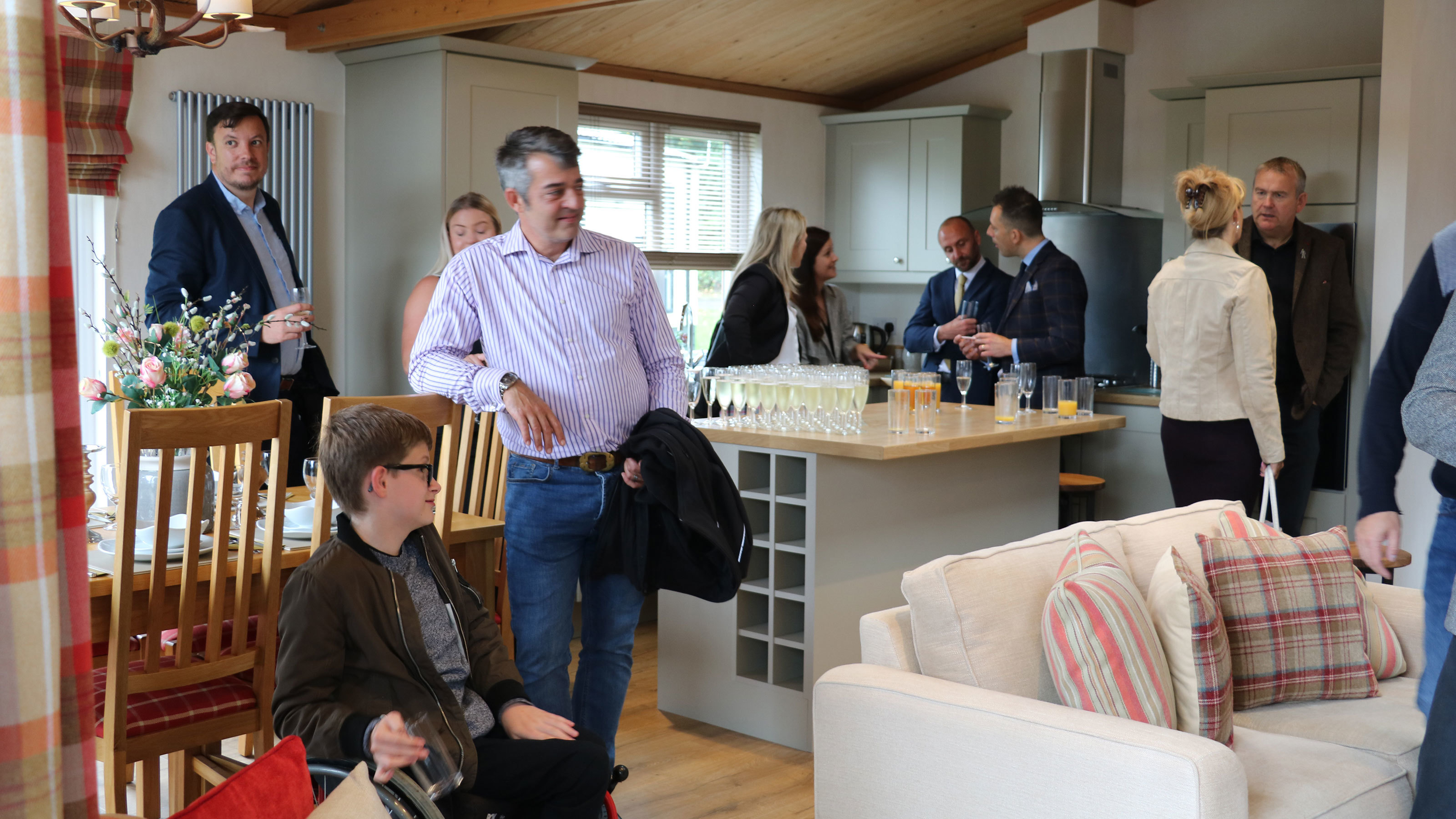 Guests-get-a-first-look-inside-the-luxury-lodge-at-Shorefield-Country-Park