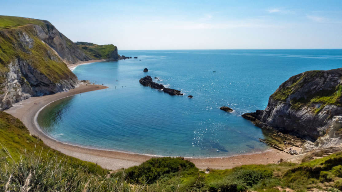 Lulworth-Cove-stunning-beach-Dorset