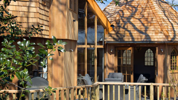 Review Silvertree house treehouse exterior