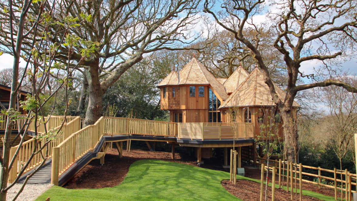 Silvertree house treehouse accommodation in the New Forest Shorefield Holidays