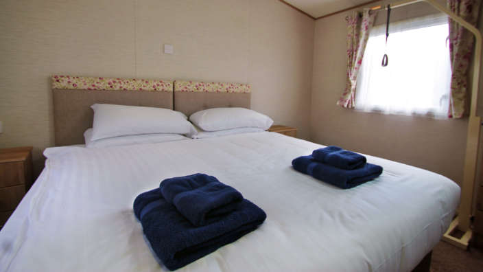 3 Serene Caravan Double Bedroom