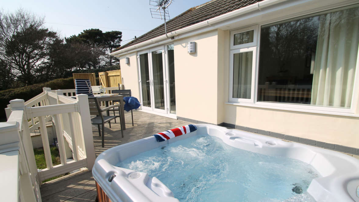 4 Private Garden With Secluded Hot Tub