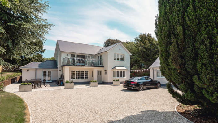 1 Lavender House Exterior In A Stunning Secluded New Forest Setting
