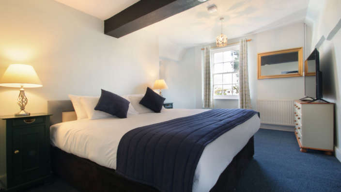 Tudor-Rose-House-accommodation-in-Dorset-double-bedroom