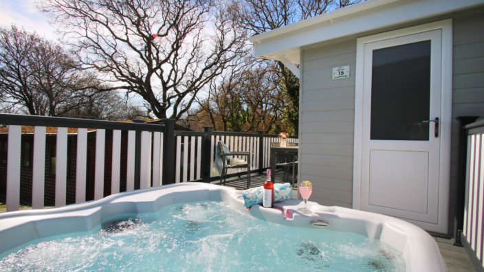 Superior-plus-hot-tub-on-decking