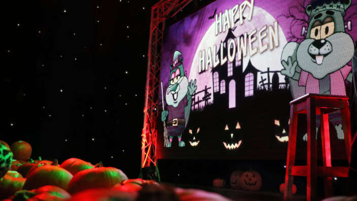 Halloween-on-stage-at-our-parks