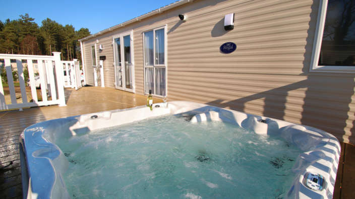 2 Hot Tub Caravan At Oakdene