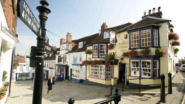 Kings Head Inn Pub In Lymington