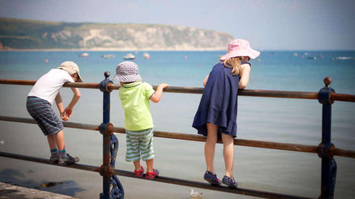 1 Children Crabbing At Swanage Pier