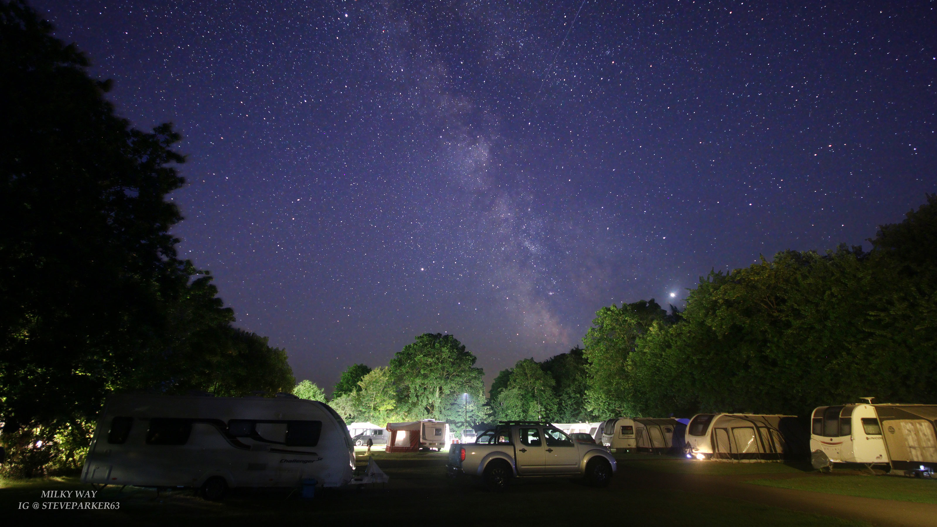 The-Milky-Way-above-Lytton-Lawn-Touring-Park