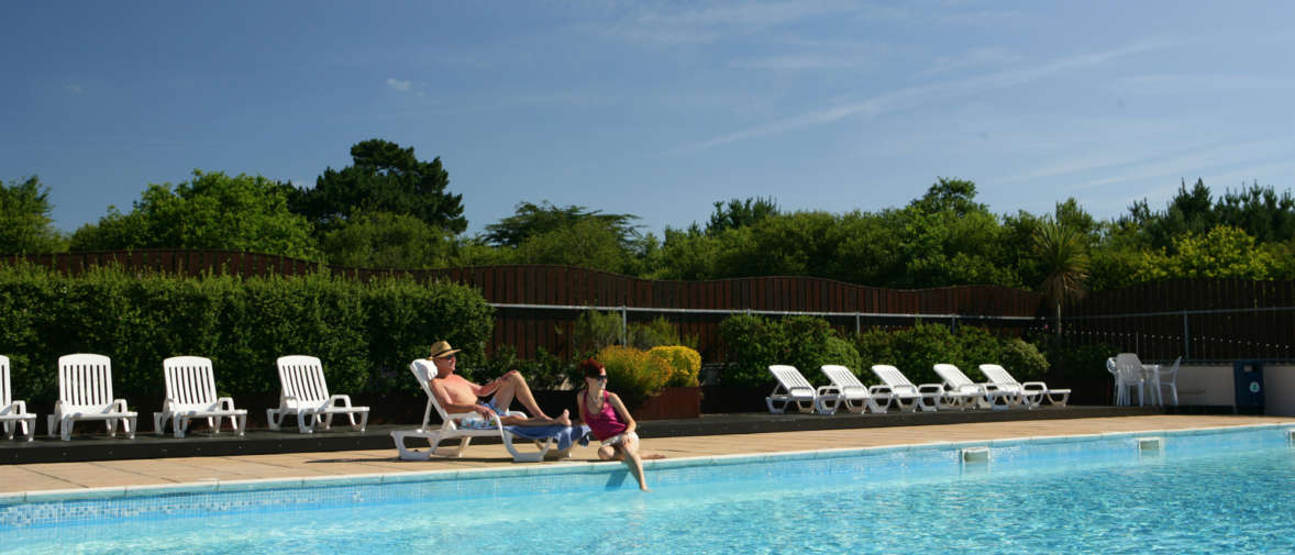 6 Shorefield Outdoor Pool Summer