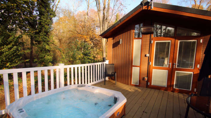 8 Hot Tub Lodge In Autumn