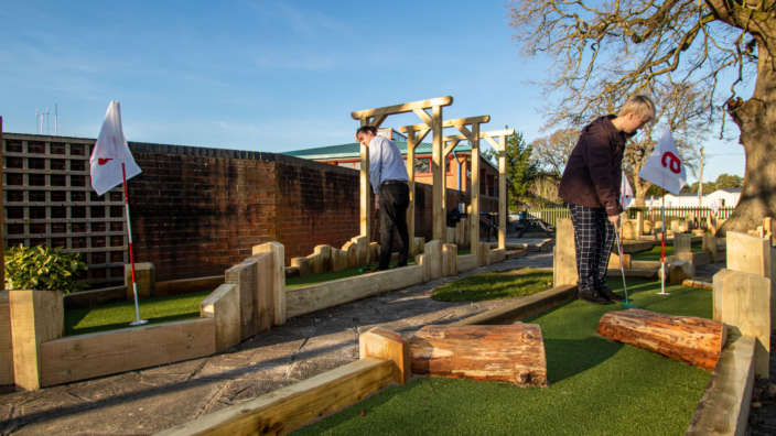 Adventure-Golf-course-at-Oakdene-Forest-Park-in-Ringwood