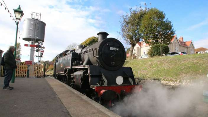 2 Discover Swanage Steam Railway