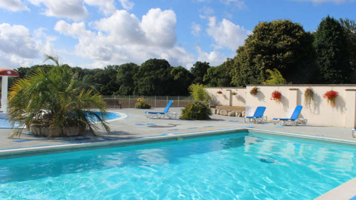 1 Heated Outdoor Swimming Pool In Summer
