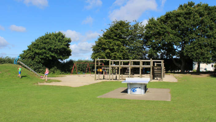 3 Childrens Play Park And Table Tennis