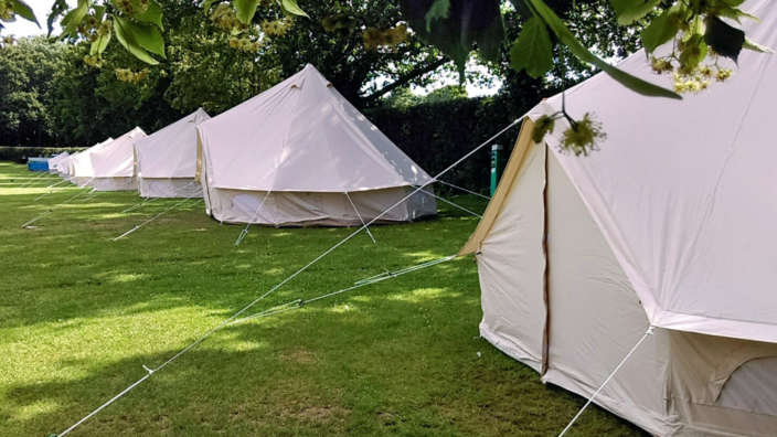 Bell-tents-at-Wilksworth-caravan-park