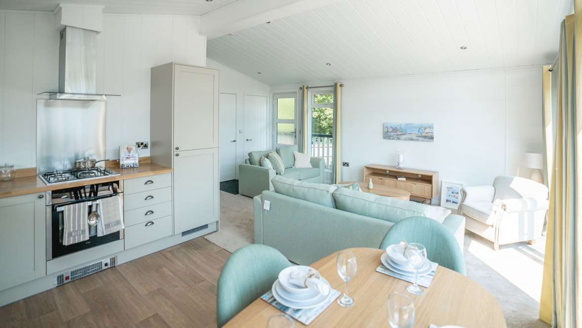 Spacious Holiday Home Kitchen New Forest Lodge Retreat